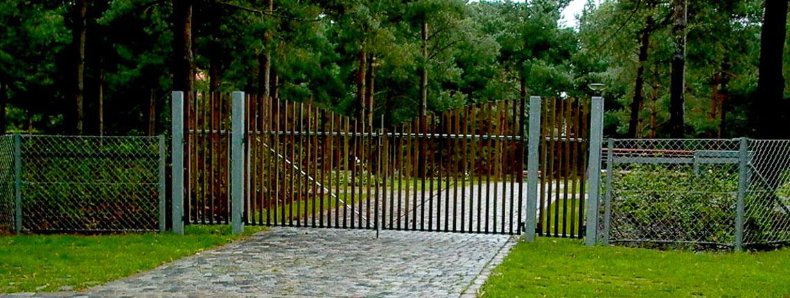 Holme kirkegård – Inventar