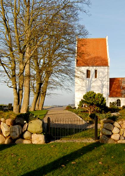 Føns Kirkegård